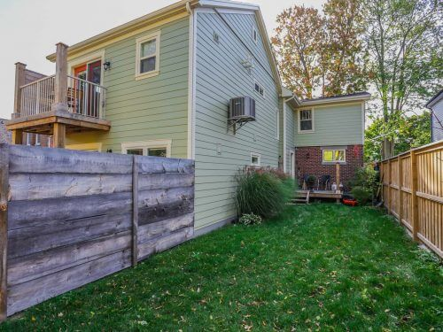 574 Piccadilly Duplex - Front 3 Beds